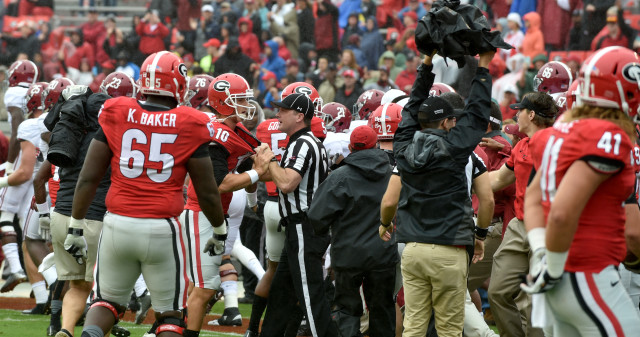 UGA-players-by-Brant-Sanderlin-AJC-UGA-vs.-Alabama-2015-DRC_9830