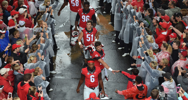 Dawg-Walk-by-Brant-Sanderlin-AJC-UGA-vs.-Alabama-2015-DRC_2066