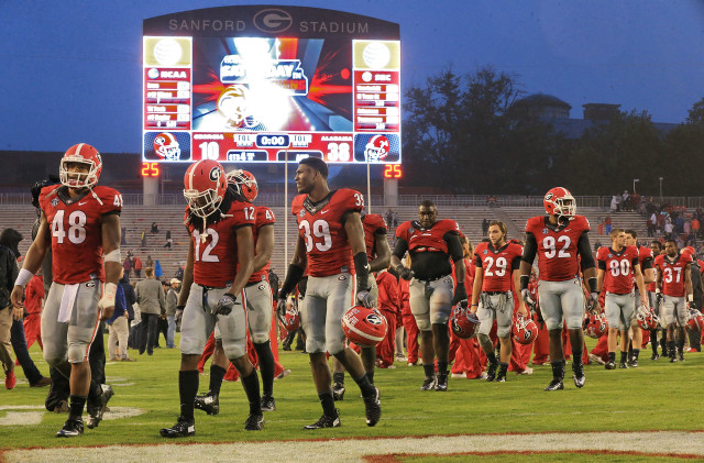 UGA-players-by-Curtis-Compton-AJC-UGA-vs.-Alabama-2015-DRC_3948