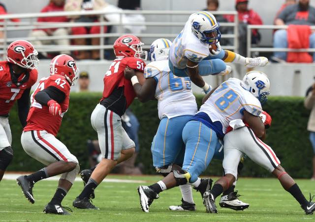 UGA-defense-by-Brant-Sanderlin-AJC-UGA-vs.-Southern-2015-DRC_3540