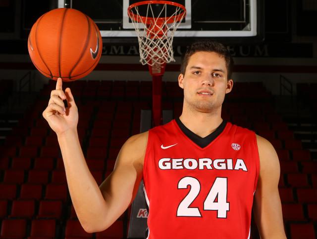 Houston-Kessler-by-Curtis-Compton-AJC-UGA-basketball-2015-DRC_4292