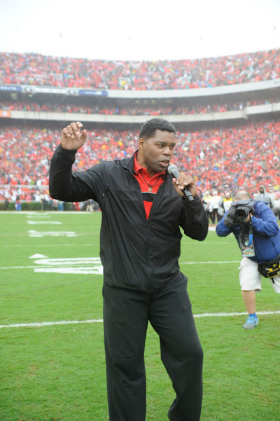 Saturday saw a great atmosphere, including Herschel Walker leading a cheer. (John Kelley / UGA)